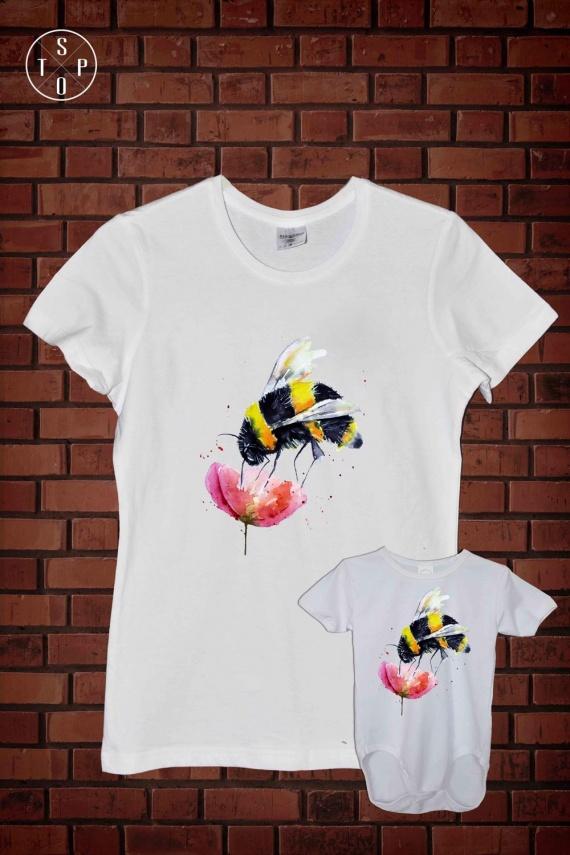 CMPL 4 WHI - Bee On Flower-1000x1500